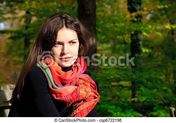 automne, femme, parc, jeune - csp6722198