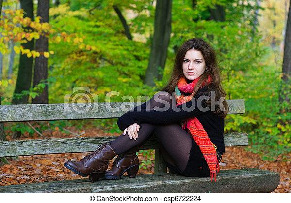automne, femme, parc, jeune - csp6722224