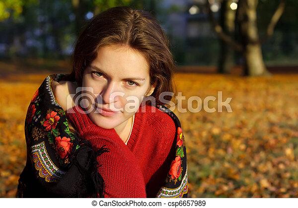 automne, femme, parc, jeune - csp6657989
