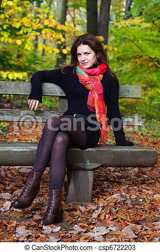 automne, femme, parc, jeune - csp6722203