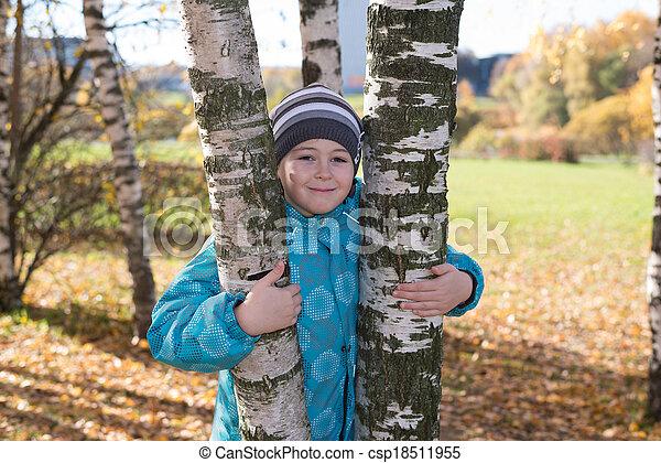 automne, garçon, parc - csp18511955