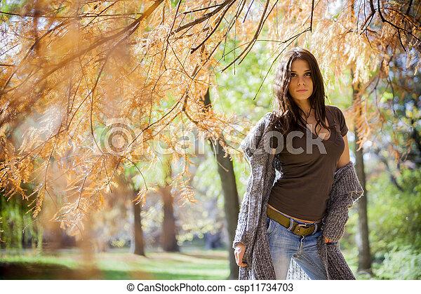 automne, girl - csp11734703