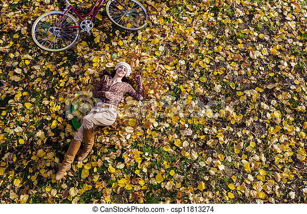 automne, girl, forêt - csp11813274