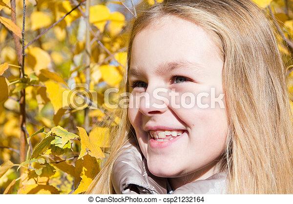 automne, girl - csp21232164