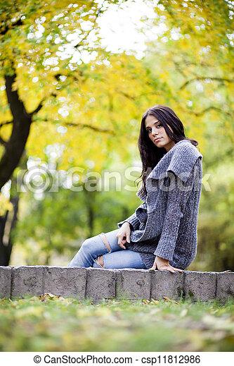 automne, girl - csp11812986