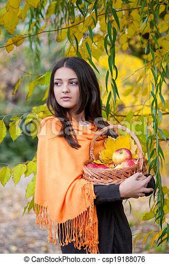 automne, girl, parc, jeune - csp19188076