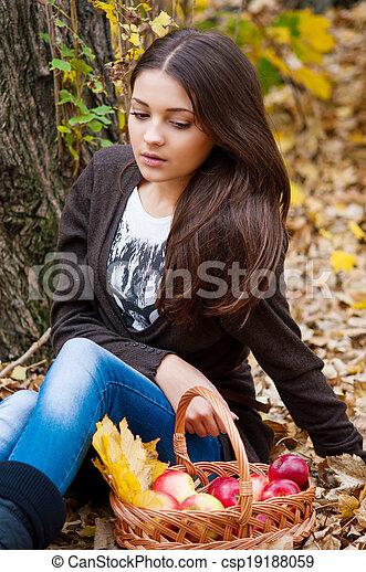 automne, girl, parc, jeune - csp19188059