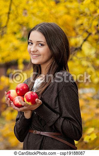 automne, girl, parc, jeune - csp19188087