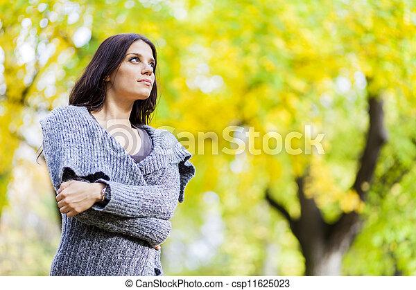 automne, girl - csp11625023