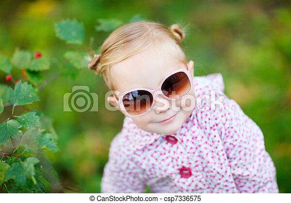 automne, mignon, girl, parc - csp7336575