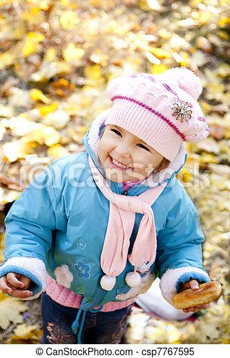 automne, mignon, girl, parc - csp7767595