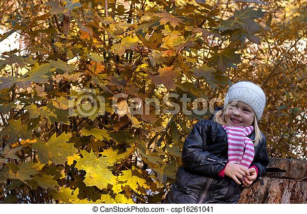 automne, mignon, girl, parc - csp16261041