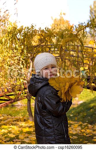 automne, mignon, girl, parc - csp16260095