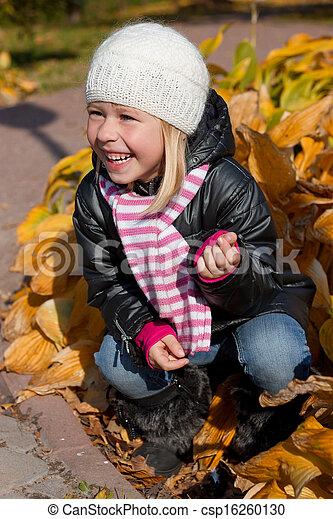 automne, mignon, girl, parc - csp16260130