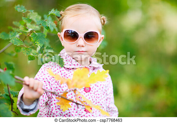 automne, mignon, girl, parc - csp7768463