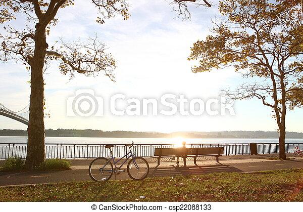 automne, parc bicyclette - csp22088133