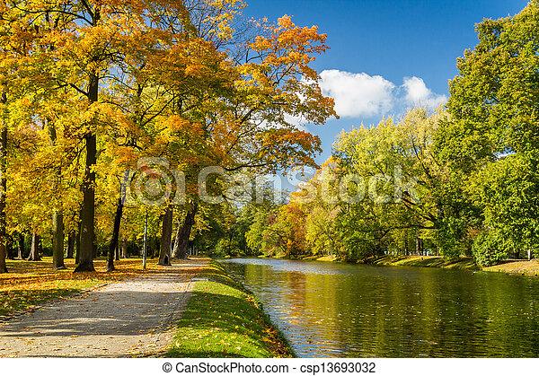 automne, parc, rivière, jour ensoleillé - csp13693032