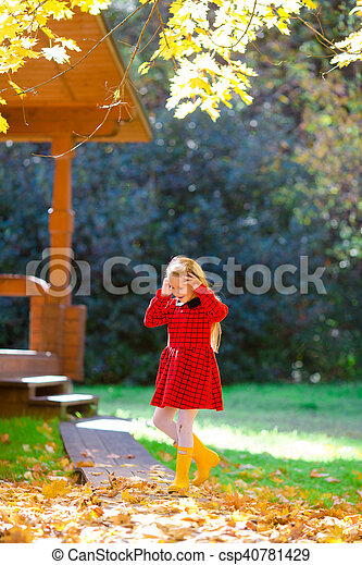 automne, peu, parc, girl, dehors - csp40781429