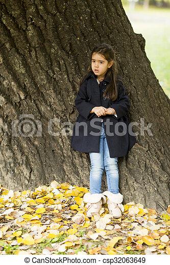 automne, peu, parc, girl - csp32063649