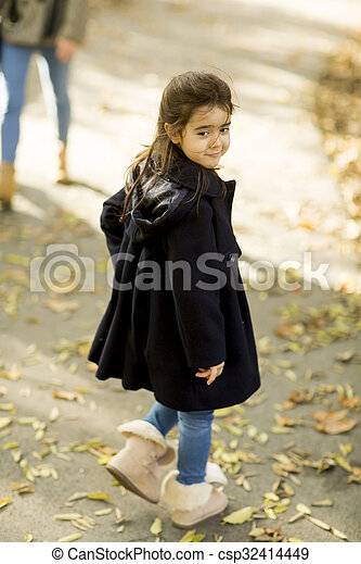 automne, peu, parc, girl - csp32414449