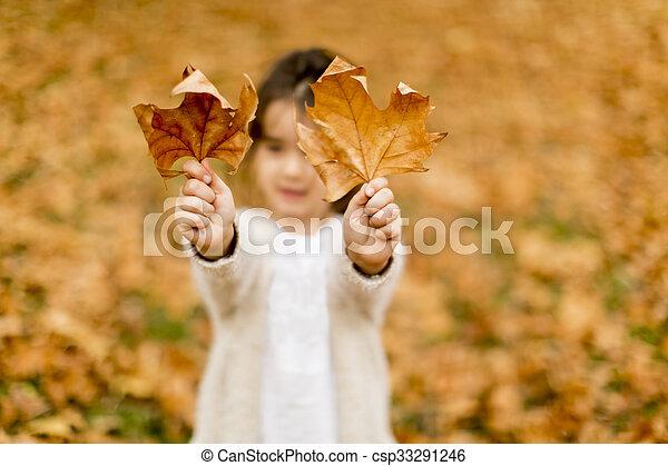 automne, peu, parc, girl - csp33291246