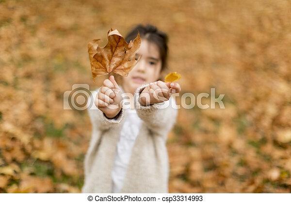 automne, peu, parc, girl - csp33314993