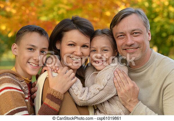 automne, portrait, parc, famille, heureux - csp61019861