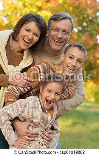 automne, portrait, parc, famille, heureux - csp61019862
