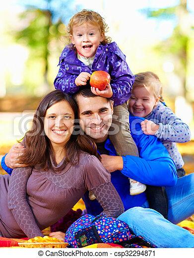 automne, portrait, parc, famille, heureux - csp32294871