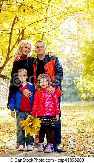 automne, quatre, parc, famille - csp41898203