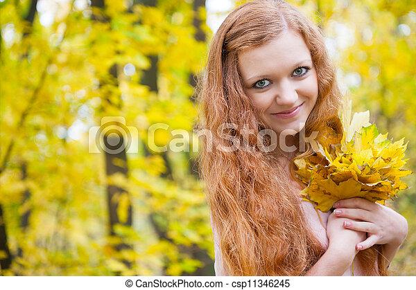 automne, roux, feuilles, girl, jaune - csp11346245