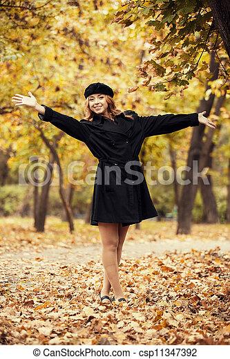 automne, roux, girl, park. - csp11347392