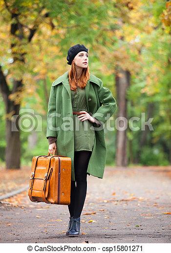 automne, roux, outdoor., girl, valise - csp15801271