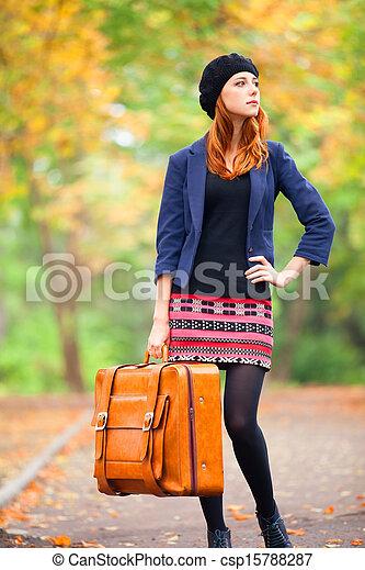 automne, roux, outdoor., girl, valise - csp15788287