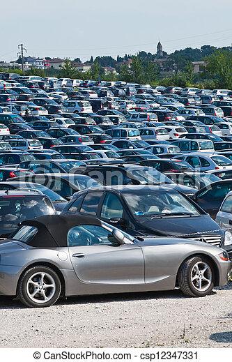 automobili, parcheggio - csp12347331