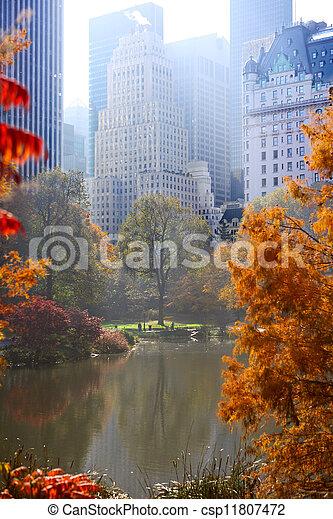 Autumn in Central Park - csp11807472