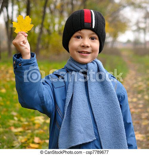 Autumn portrait of cute child - csp7789677
