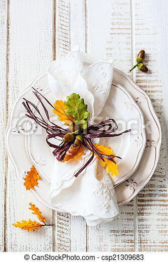 Autumn table setting - csp21309683