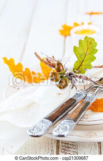 Autumn table setting - csp21309687