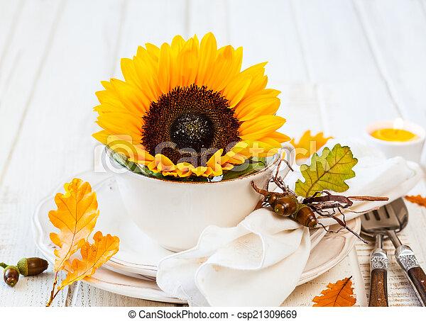 Autumn table setting - csp21309669