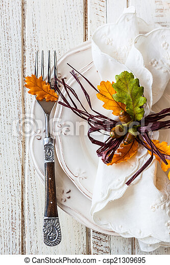Autumn table setting - csp21309695