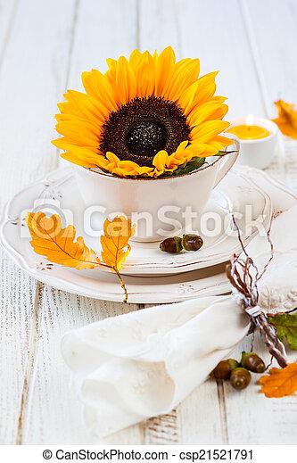 Autumn table setting - csp21521791