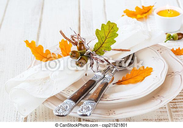 Autumn table setting - csp21521801