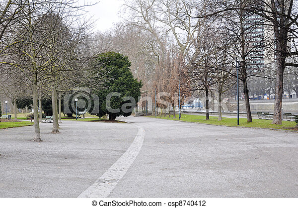 avenue in the park - csp8740412