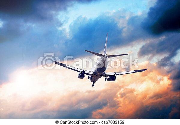 avião azul, céu - csp7033159