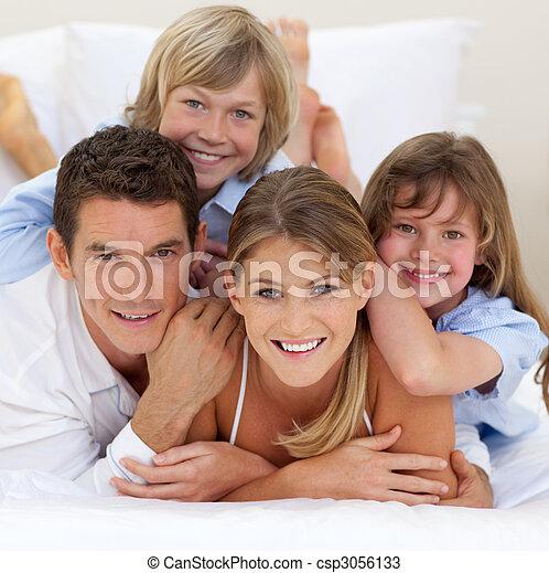 avoir, heureux, amusement, ensemble, famille - csp3056133