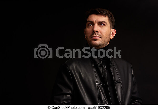 away., 見る, 確信した, 黒い背景, 人, ハンサム - csp51932285