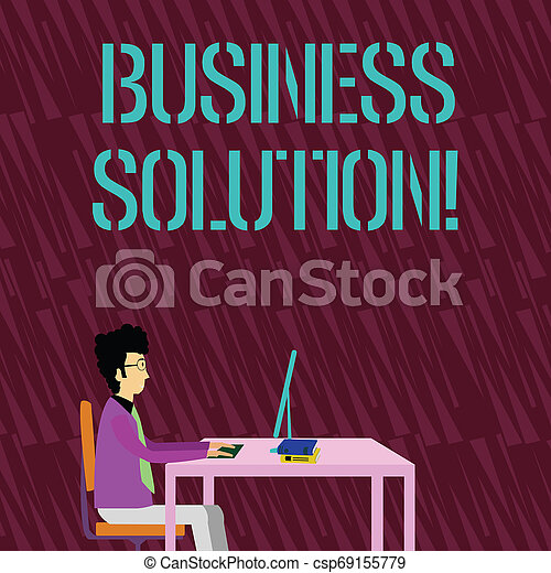 Señal de texto mostrando solución comercial. Ideas fotográficas conceptuales usadas para ayudar a una compañía a lograr sus objetivos empresario sentado en silla trabajando en la computadora y los libros en la mesa. - csp69155779