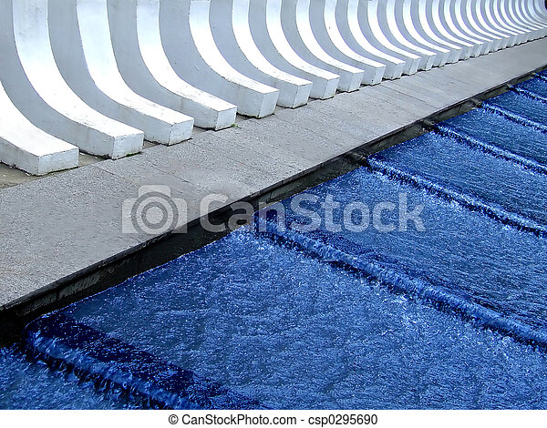 Cascada de agua azul - csp0295690
