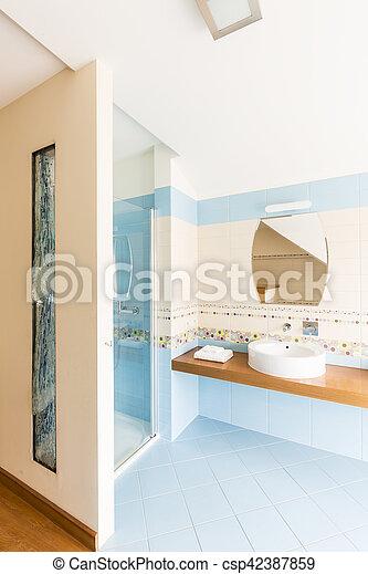 Azul, cuarto de baño, moderno, azulejos. Azul, cuarto de baño, pared ...